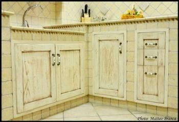 mobili su misura per arredare una tavernetta in stile rustico - Cucina Per Taverna