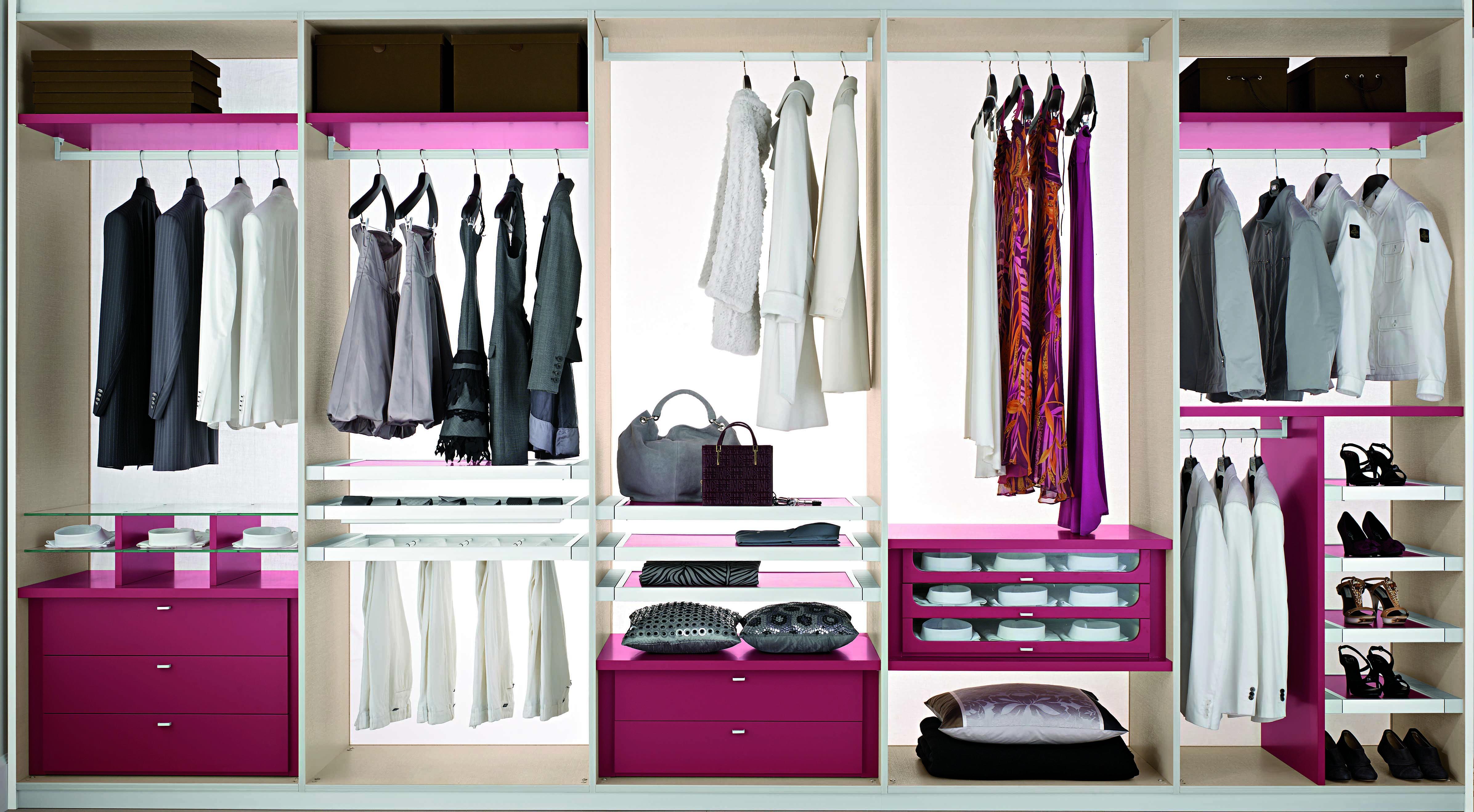 Armadio a muro idee e consigli per sfruttare nicchie nel - I mobili nel guardaroba ...