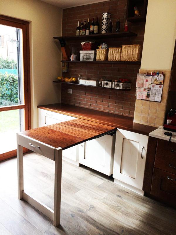 Tavolo a scomparsa ed estraibile in cucina - Arredi e Mobili