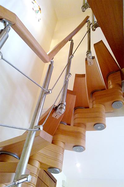 Vista da sotto della scala