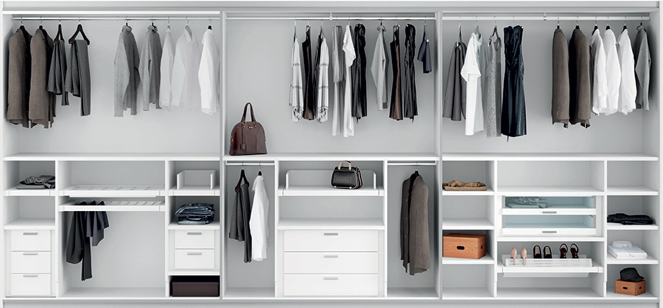 Come organizzare l 39 interno di un armadio su misura arredi e mobili - Interno cabina armadio ...